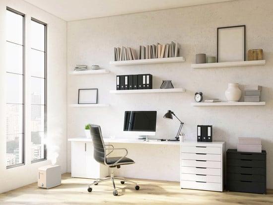 Zur optimalen Büroausstattung gehört auch ein Computer