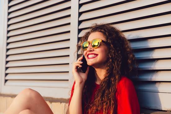 Handys sind gut geeignet für Telefonate unterwegs