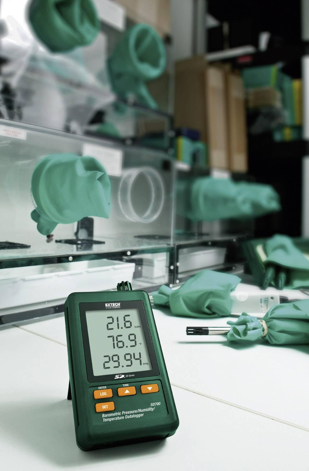 Teplotný, vlhkostný a tlakový datalogger Extech SD700