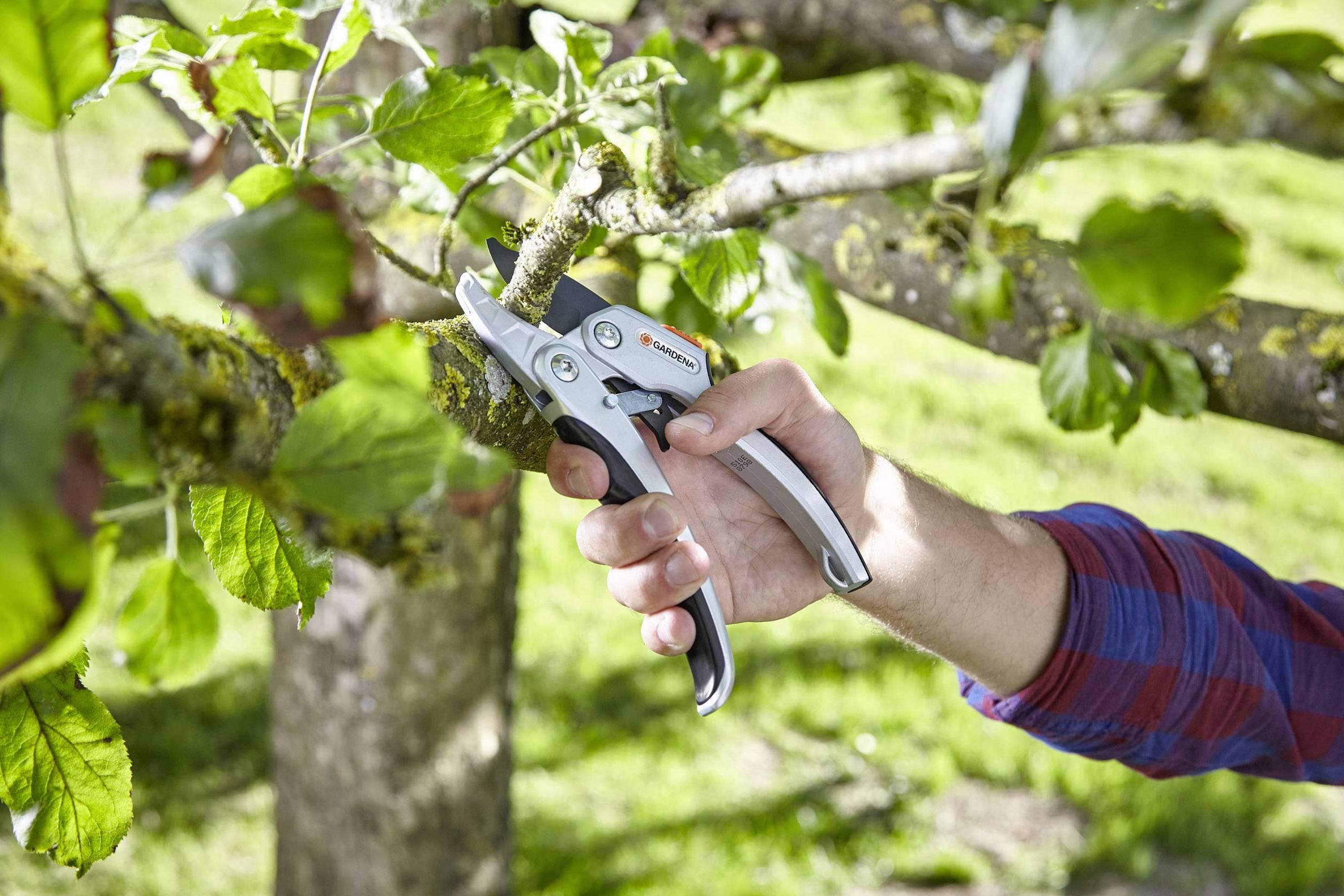 Záhradné nožnice GARDENA SmartCut