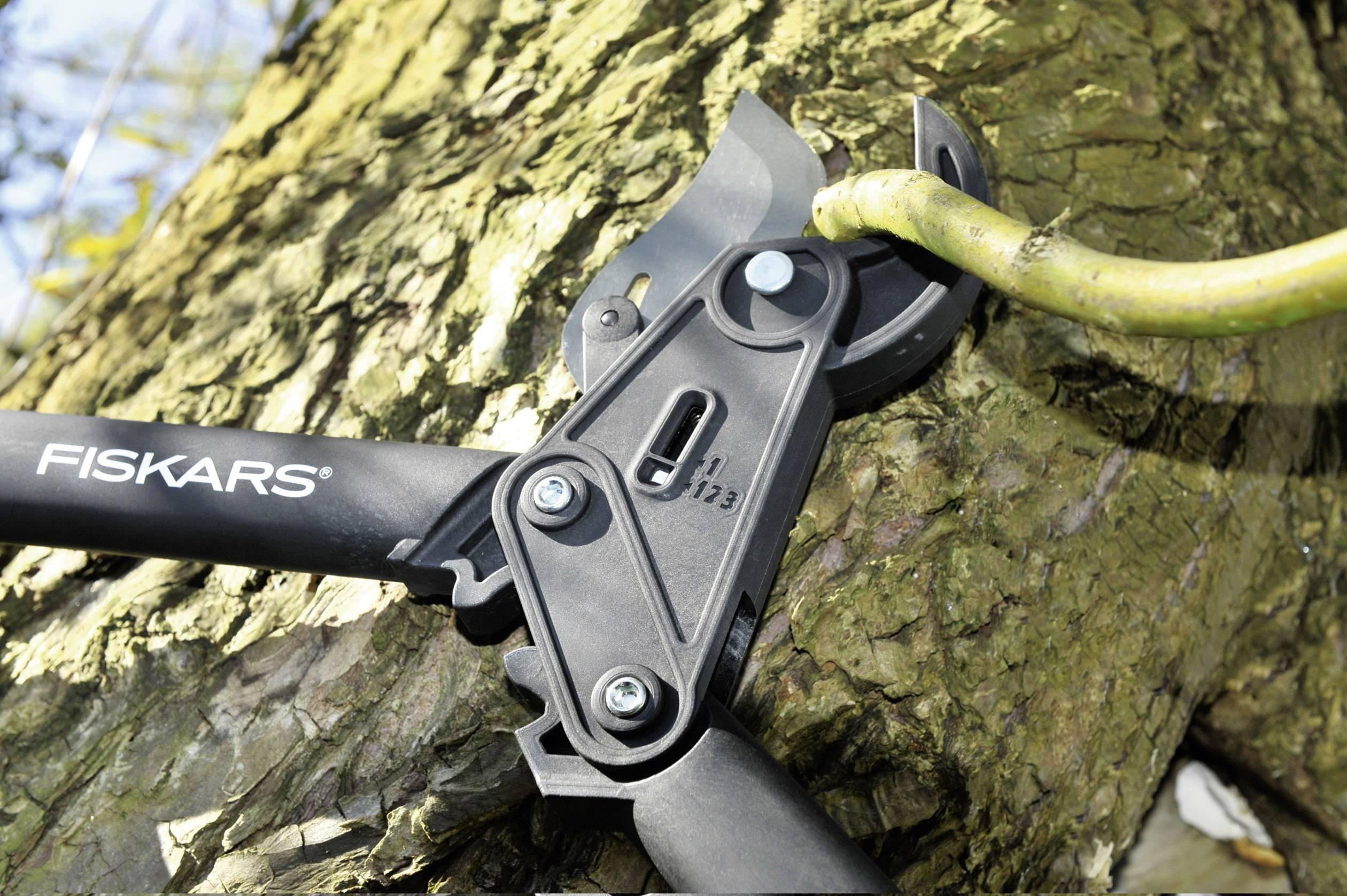 Nůžky na větve Fiskars PowerStep L85, 570 mm