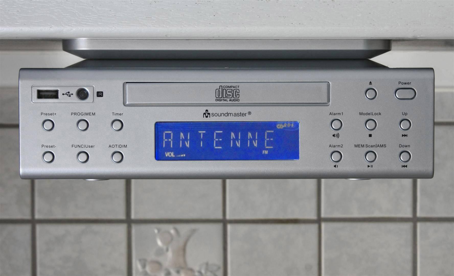 FM závesné rádio do kuchyne s CD/MP3 prehrávačom a USB, SoundMaster UR2050SI, strieborná