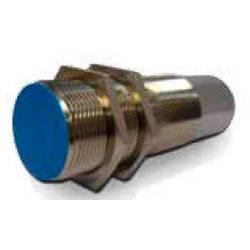 Kapacitní senzor přiblížení M30 nezarovnaná PNP DataLogic
