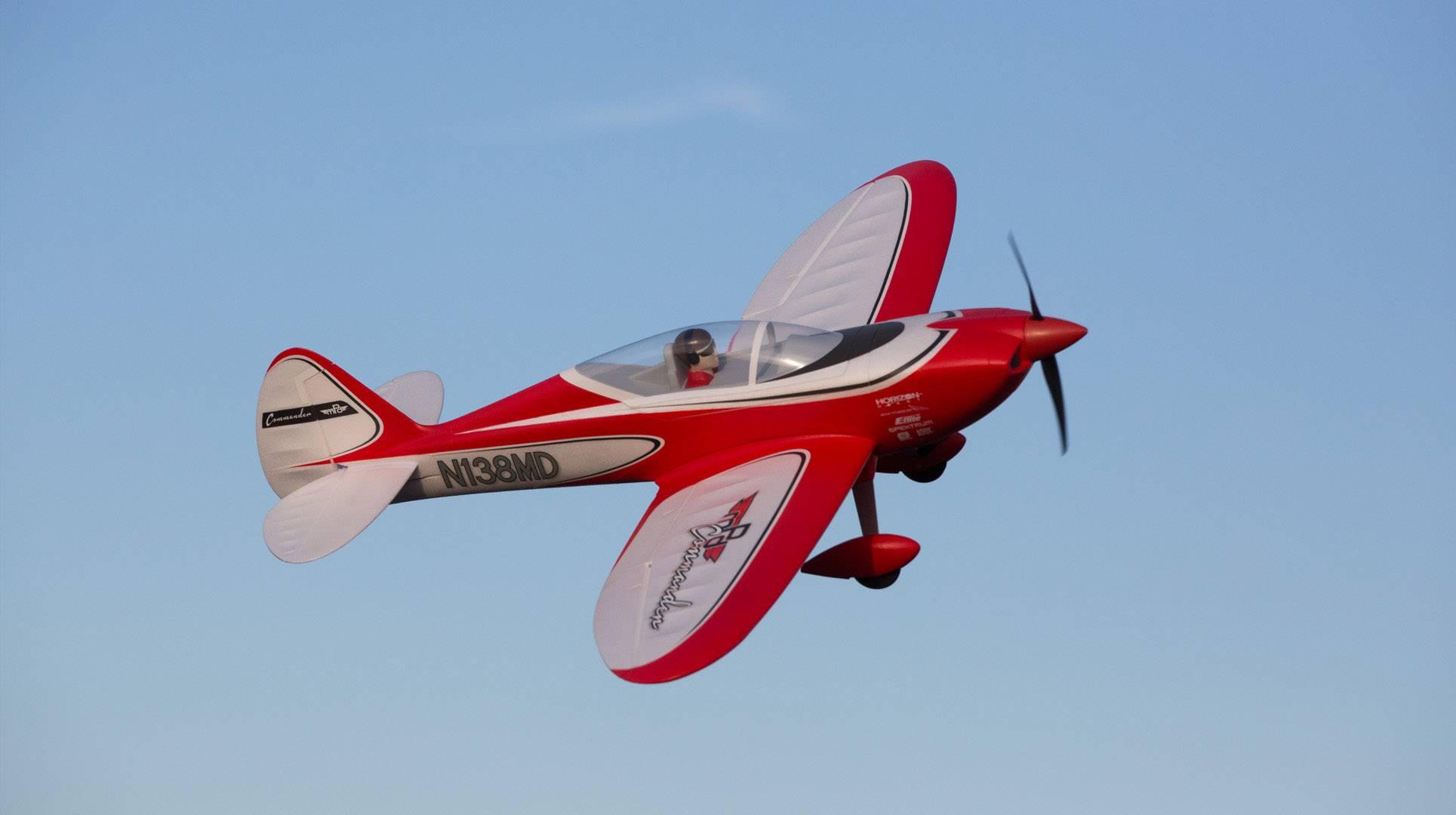 RC model motorového lietadla E-flite Commander MPD EFL4875, rozpätie 1398 mm