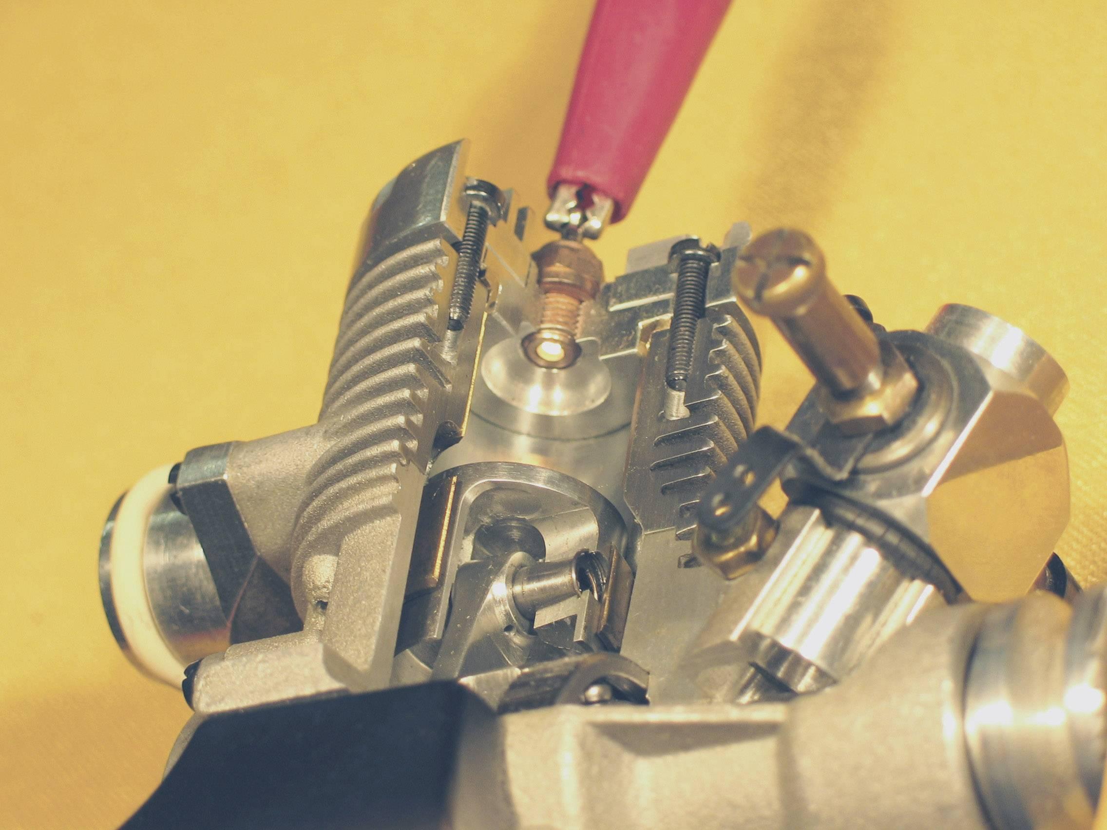 Žhavící svíčka teplá Rossi R2