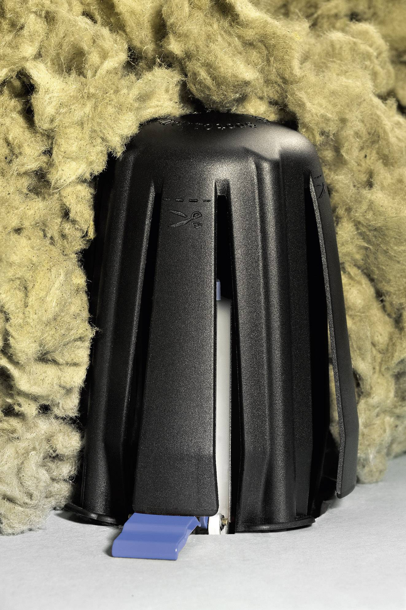 Distančný držiak HellermannTyton 148-00098, čierna