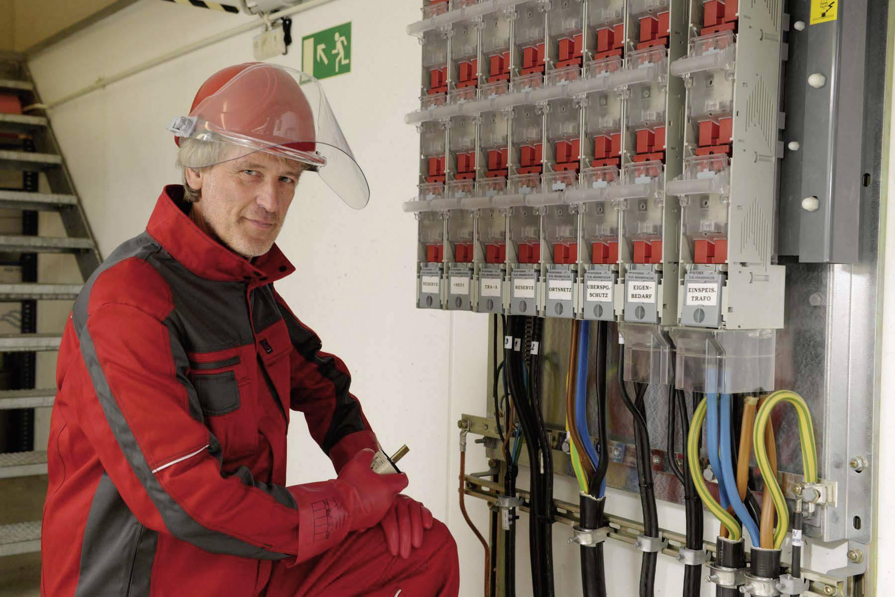Ochranná PE prilba Voss Helme pre elektrikárov, 6-bodová, žltá