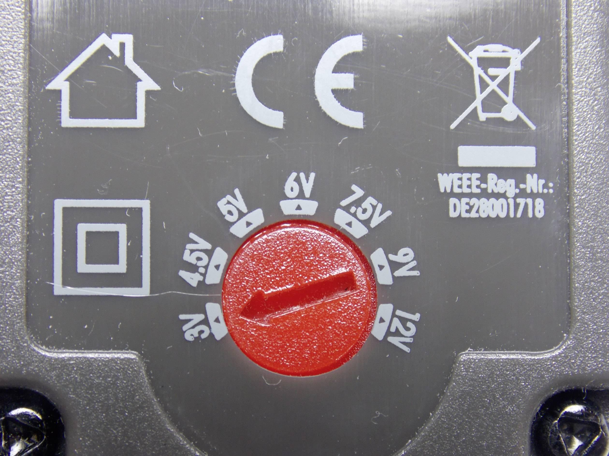 Sieťový adaptér s redukciami Voltcraft USPS-600, 3 - 12 V/DC, 7,2 W, čierny