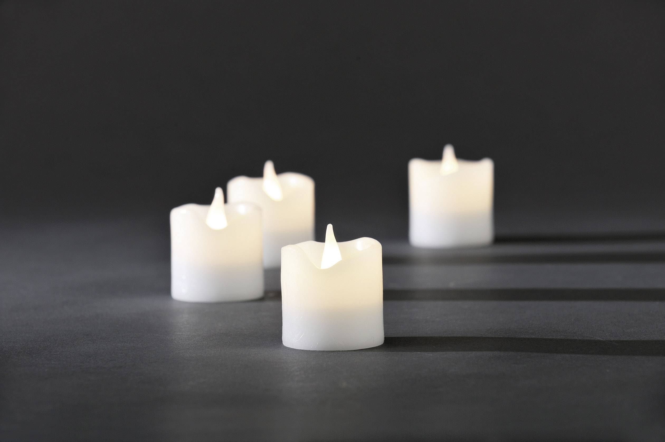 Svítící LED svíčky Konstsmide, 4,2x 4,5 cm, sada 4 ks