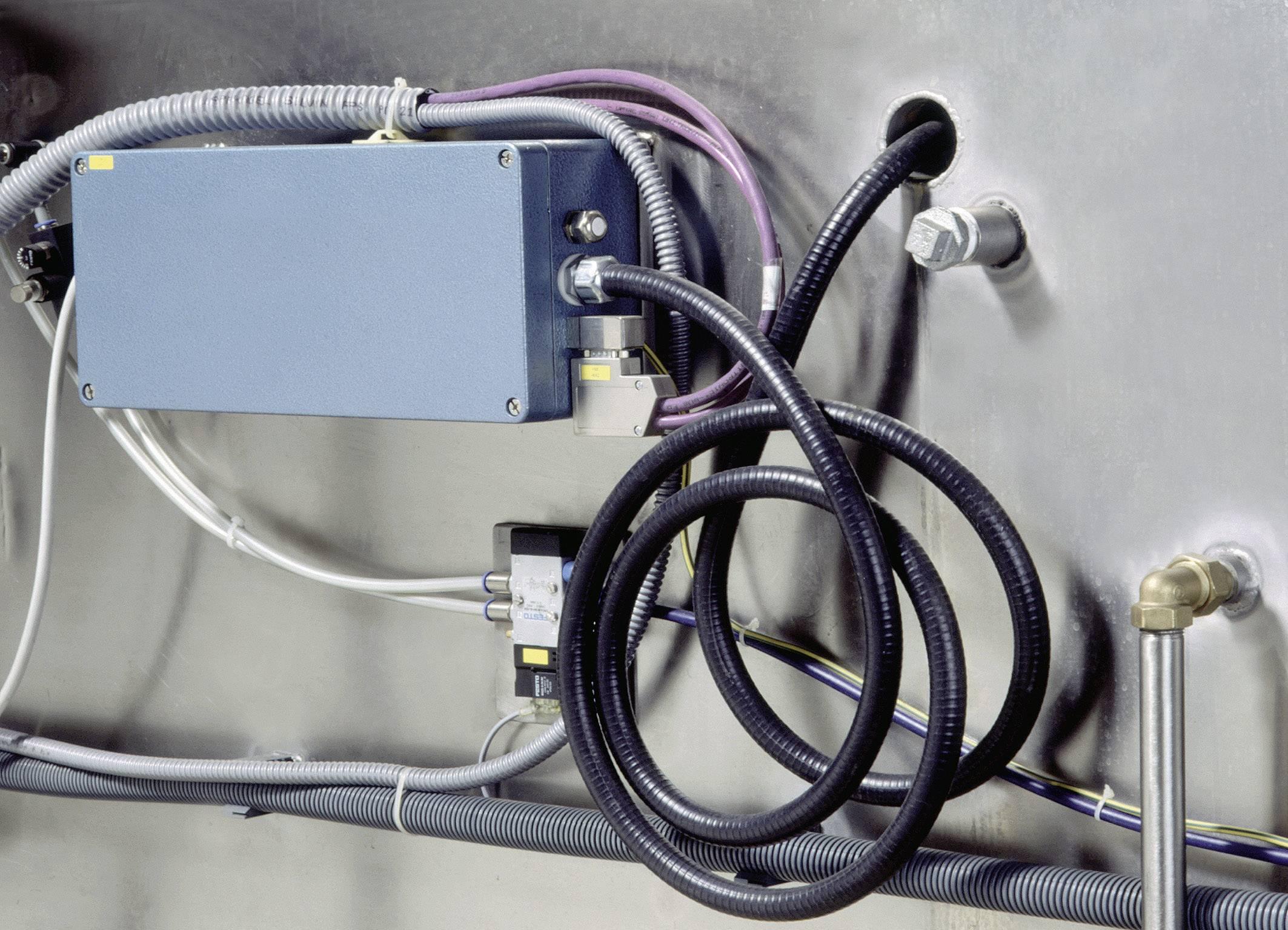 Ochranná hadice na kov LAPP SILVYN® LCC-2 10/6,8x10 BK 61804702, 6.80 mm, černá, 10 m