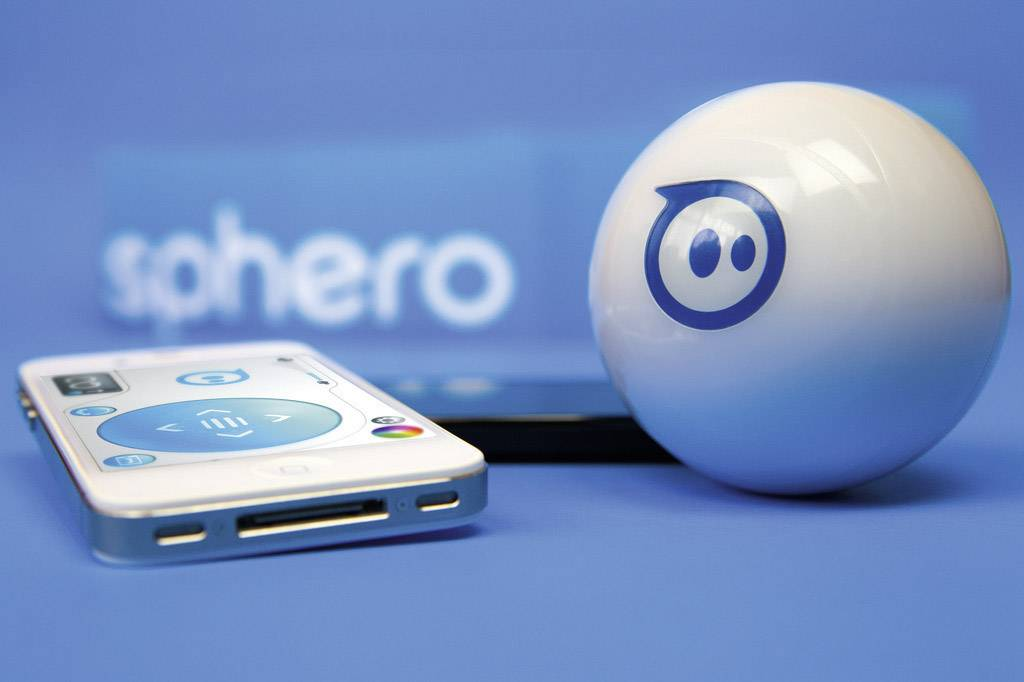 Aiv Sphero robotic gaming system