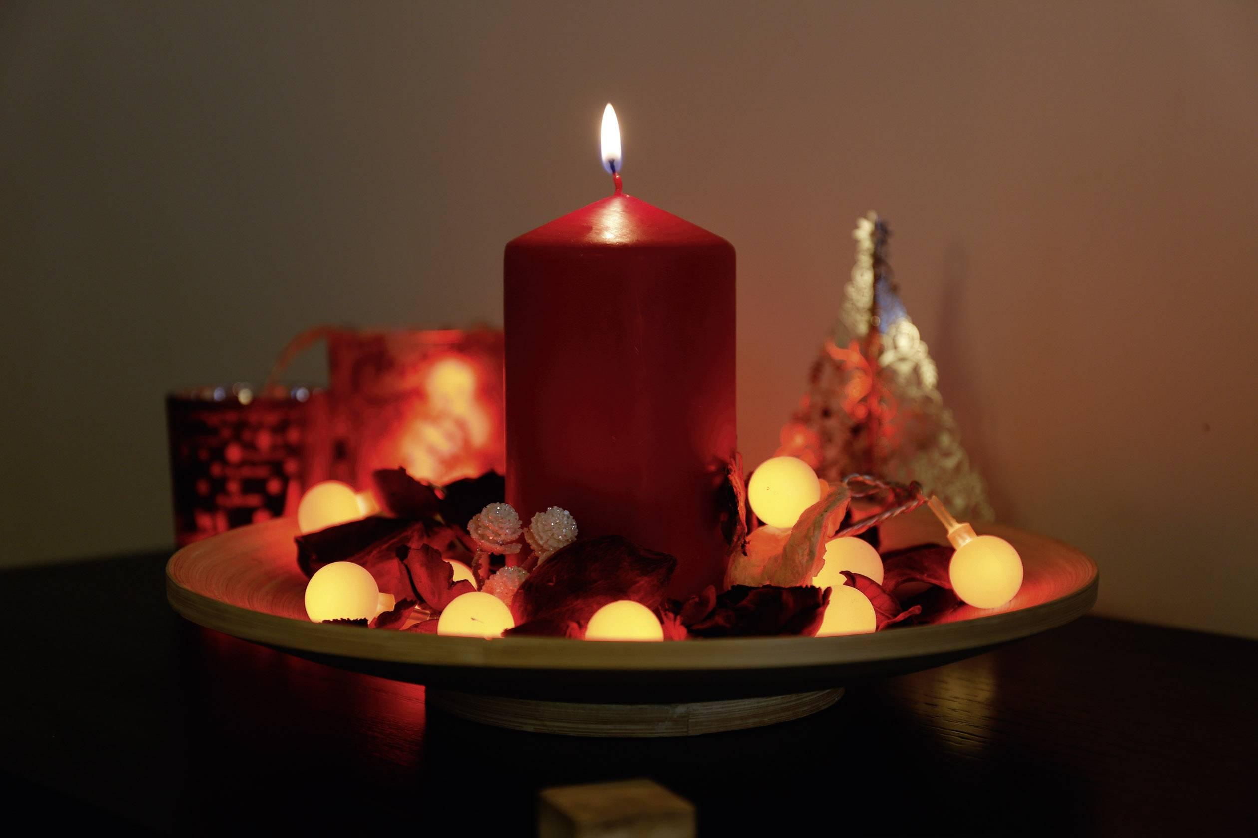 Vnitřní vánoční řetěz Polarlite, 20 LED, 1,07 m, červený