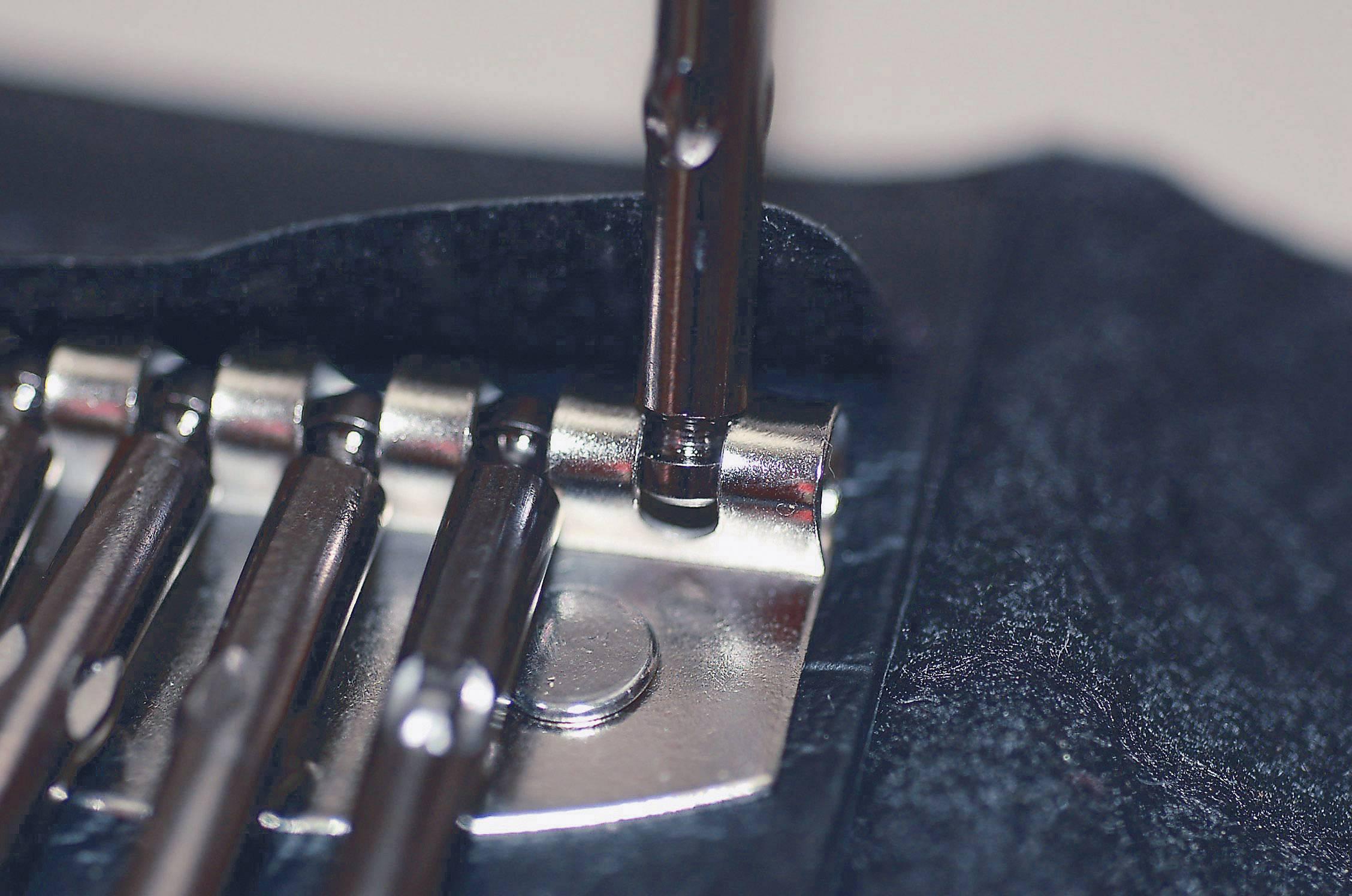 13 dielna sada štrbinových/krížových precíznych skrutkovačov