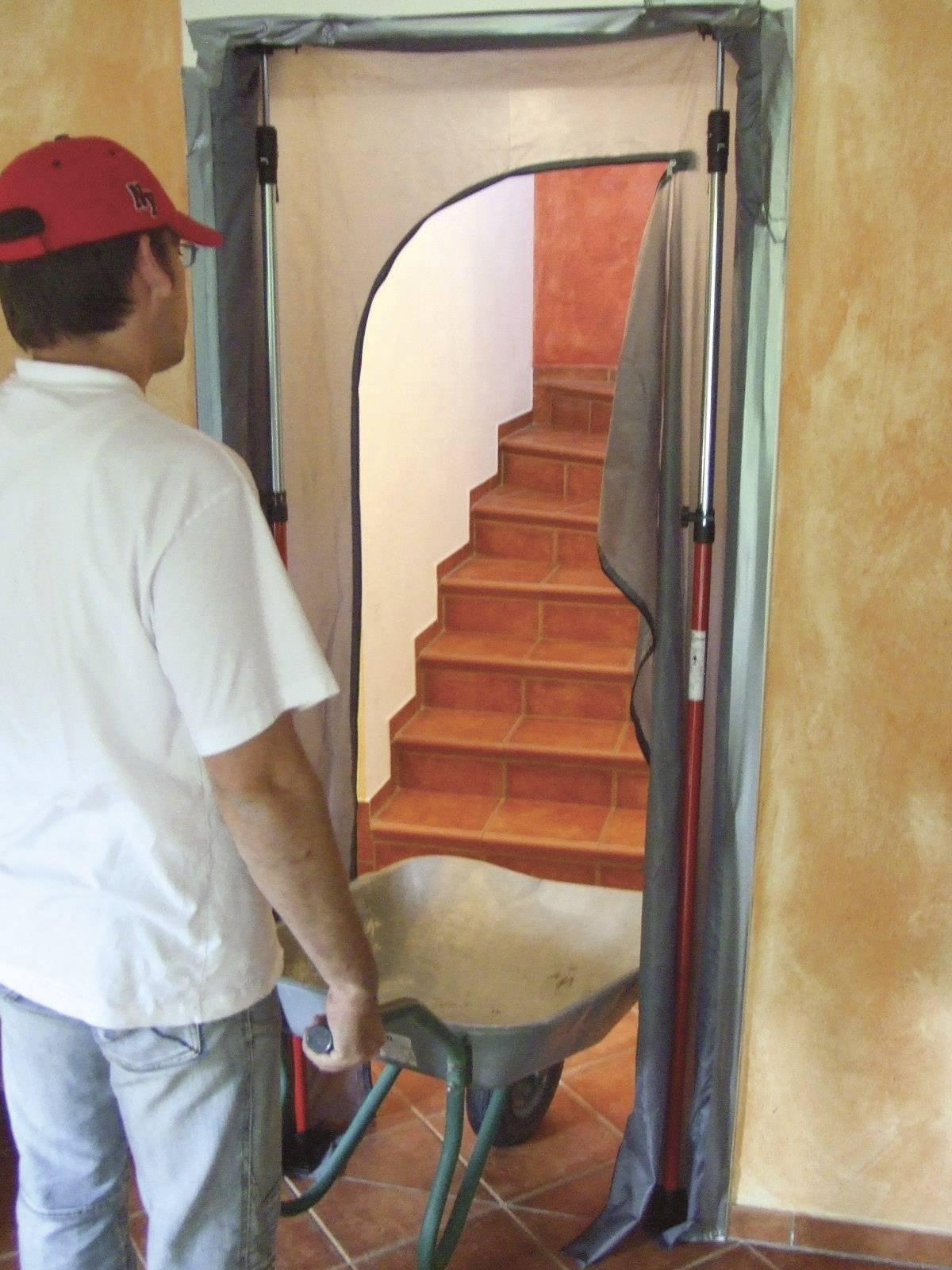Dvere na ochranu proti prachu s priechodom 5005 824187