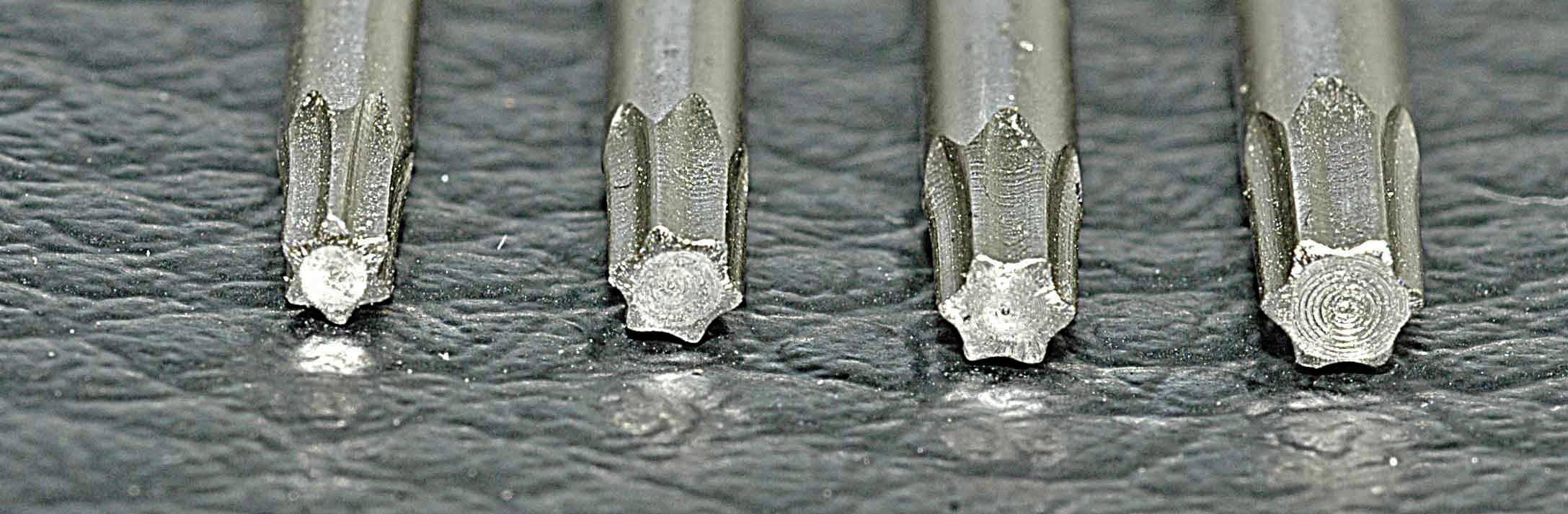 10-dielna sada T-profil skrutkovačov