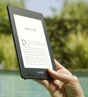Dieser eBook-Reader lässt sich sogar im Wasser verwenden