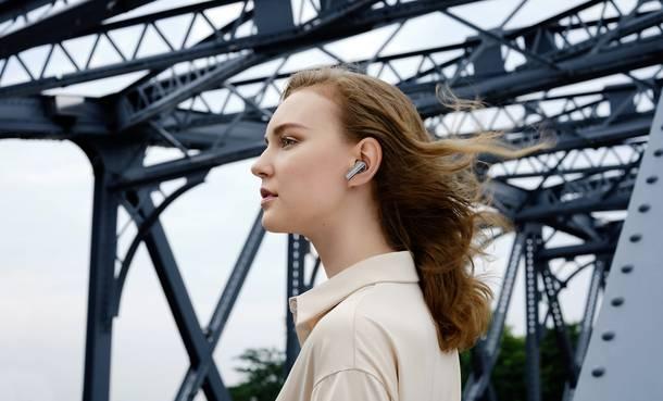 Entspannt Musik hören mit Bluetoth Kopfhörern