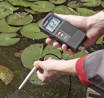 pH-Wert messen im Teich