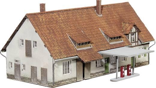 MBZ 16388 Z Alte Schmiede mit Tankstelle