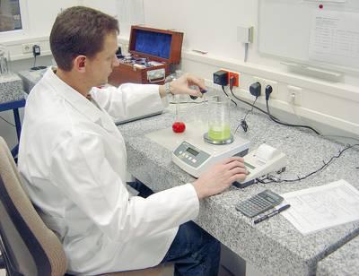 Präzisionswaagen finden auch in Laboren Anwendung.