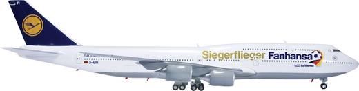 """Luftfahrzeug 1:200 Herpa Lufthansa Boeing 747-8 Intercontinental """"Fanhansa / Siegerflieger"""" 556767"""