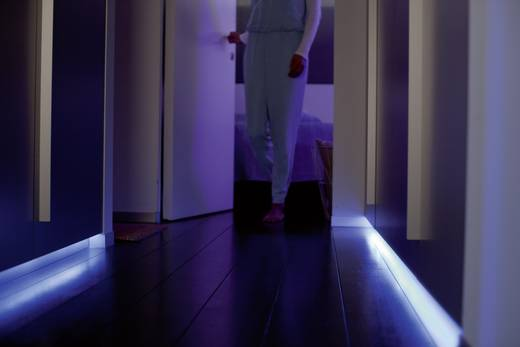Philips Lighting Hue LED-Stripe (Starter-Kit) Light Strips Plus LED fest eingebaut RGB