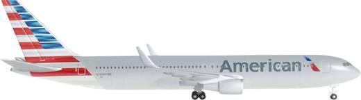 Luftfahrzeug 1:500 Herpa American Airlines® Boeing 767-300ER 528276