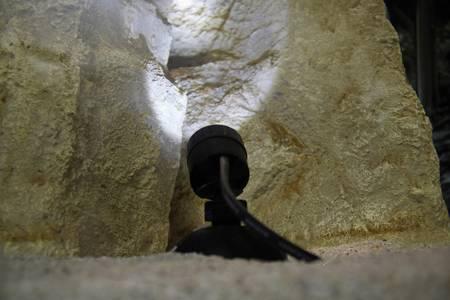 Wasserdichter LED-Strahler für den Teichboden