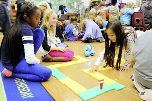 Wonder Workshop Dash Spielzeug-Roboter - Bildungsroboter zum programmieren für Kinder