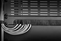 """Kartáčová lišta pro datové skříně Renkforce RF-3429142, velikost racku (HE) 1 U, 19 """""""