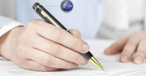 Versteckte Mini-Überwachungskamera in einem Kugelschreiber