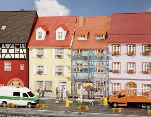 Faller 130494 H0 2 Kleinstadthäuser mit Malergerüst