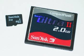 Speicherkarten mit 2GB im Größenvergleich