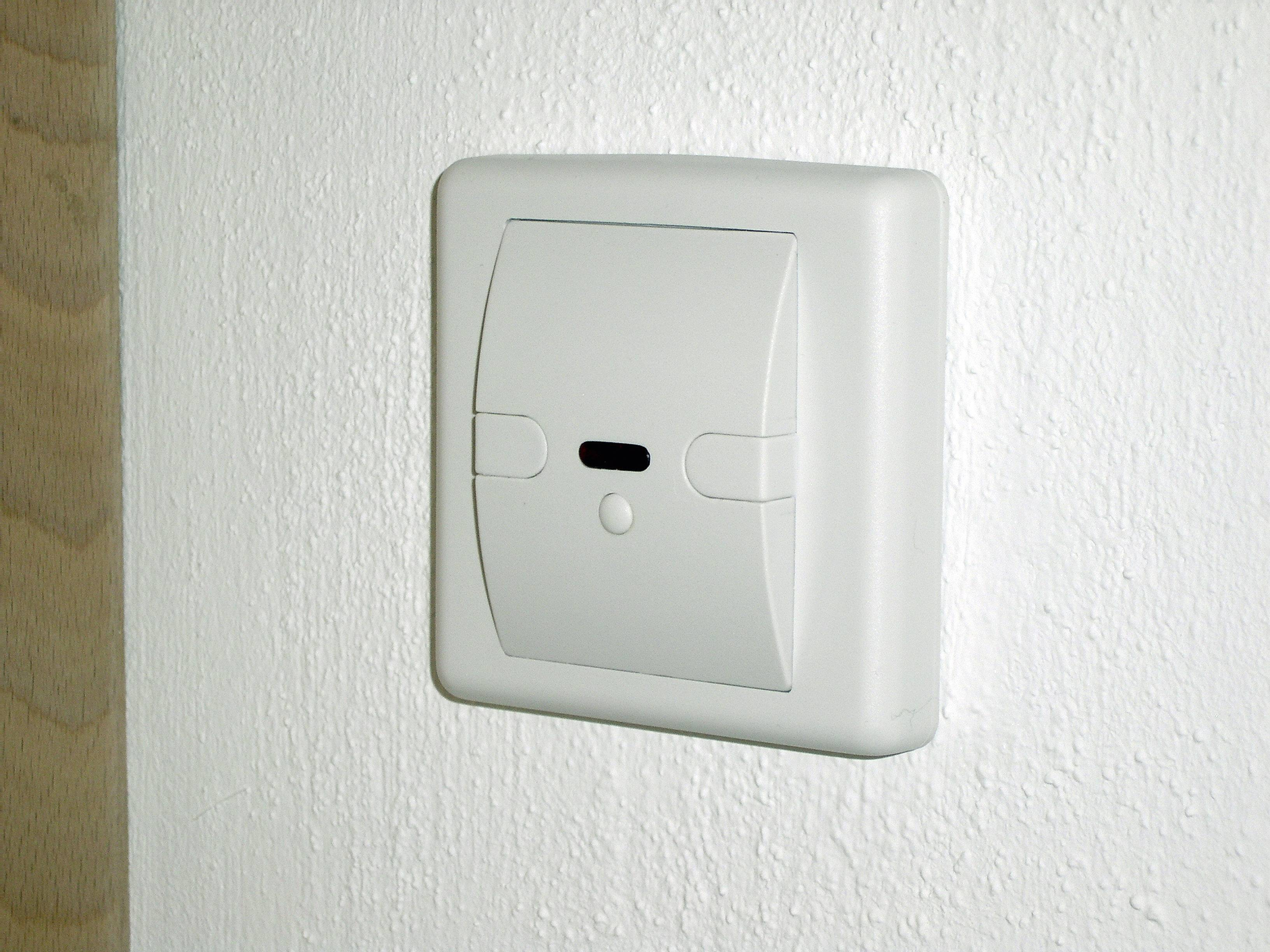 Fein Dreipoliger Lichtschalter Galerie - Die Besten Elektrischen ...