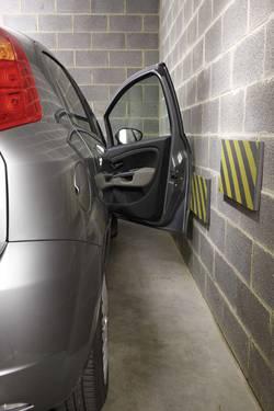 Ochranný pás na stěnu do garáže HP-Autozubehör, 18325, pěnový, 50 cm - Černo-žlutý pěnový pás na ochranu stěn - délka 50 cm, výška 25 cm a tloušťka 2,5 cm