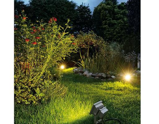 Mit Licht auch im Garten Akzente setzen