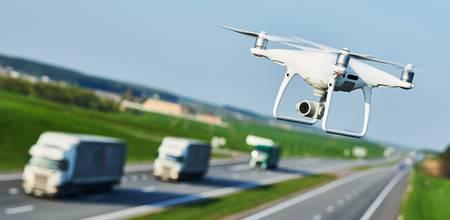 Drohne  bei der Verkehrsüberwachung