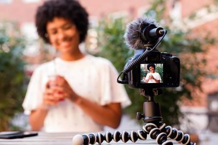 Zwischen Mediennutzung und Medienkonsum unterscheiden