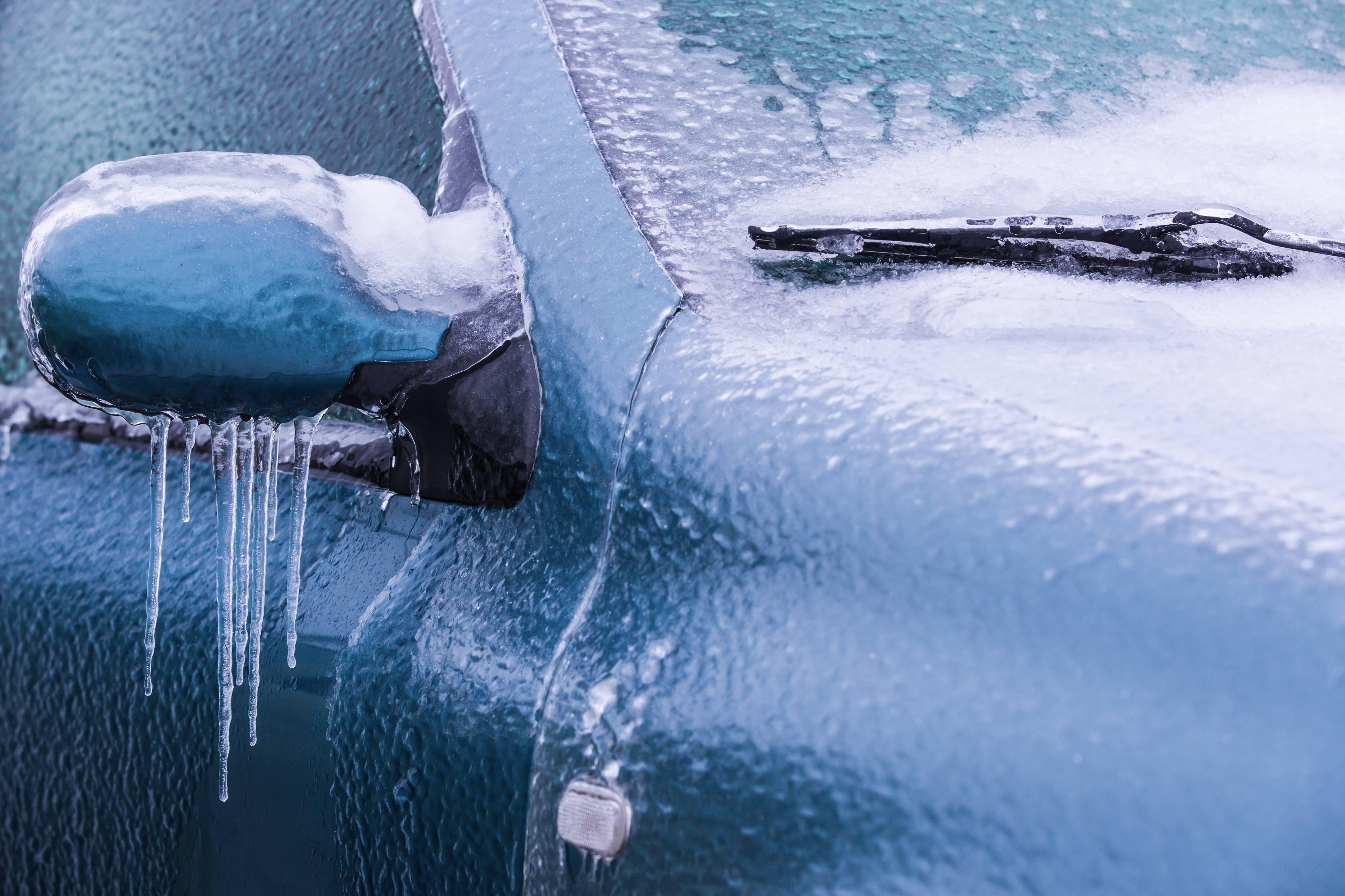 Autofahren ist im Winter eine Herausforderung