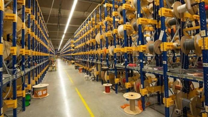 Kabellager im Logistikzentrum von Conrad Electronic in Wernberg-Köblitz.