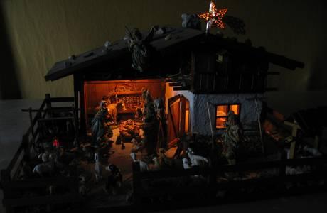 Verlichte kerststal