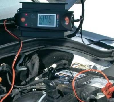 Batterieladegeräte für LKW und KFZ