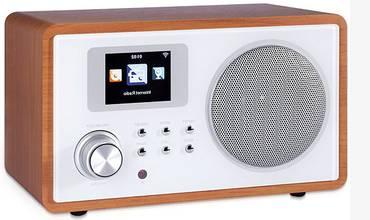 Internet radio in classic retro design with wood