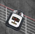 Fully automatic rotating laser-calibrated according to factory standard