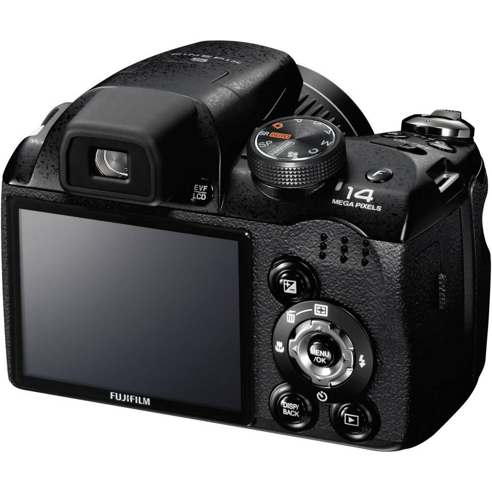 Fujifilm Finepix S3300 digital camera, 14.0 MPix, 26 x, 7.6 cm, 3.0