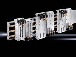 Adaptateur disjoncteur Rittal 9345.600 (l x h) 105 mm x 240 mm Polyamide gris (RAL 7035) Convient pour épaisseur de barr