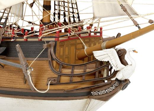 maquette de bateau revell 05605 pirate ship 1 72. Black Bedroom Furniture Sets. Home Design Ideas