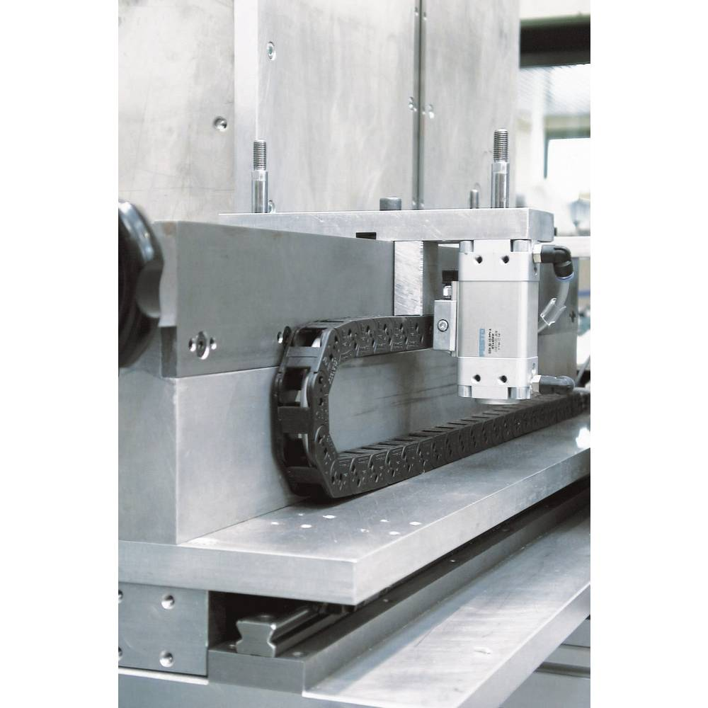 Energetski lanac, vučni lanac SILVYN® CHAIN Light SR200 - priključni element 61211271 LappKabel sadržaj: 1 kom.