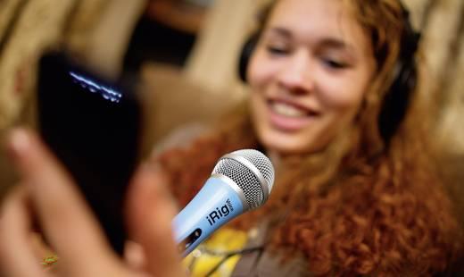 Énekmikrofon, kézi mikrofon android és iOS készülékekhez, fekete színű IK Multimedia iRig