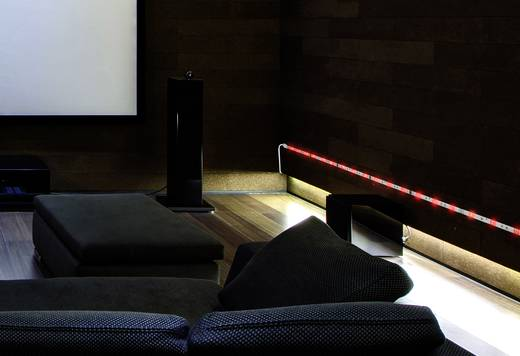 LED-es dekorációs csík, mikrofonnal és távirányítóval,